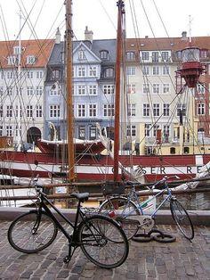 Nyhavn, Copenhagen, Denmark.....#famfinder..