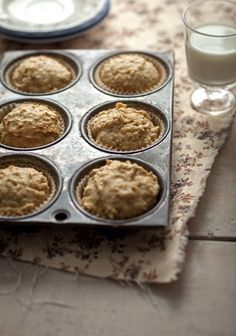 Muffins au gruau et pommes Might add cinnamon next time! Breakfast Muffins, Breakfast Recipes, Dessert Recipes, Muffin Recipes, Apple Recipes, Croissants, Apple Oatmeal Muffins, Granola Cookies, Muffin Bread