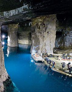Bonne Terre Mine in Missouri --- boat and walking tours #TravelDestinationsUsaPlacesToVisit #TravelDestinationsUsaFamilyVacations