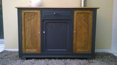 Buffet décor art nouveau relooké noir => https://www.alittlemarket.com/meubles-et-rangements/fr_le_vaillant_meuble_buffet_sculpte_et_peinture_-16119358.html