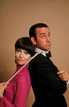 Barbara Feldon and Don Adams as agent 99 & Maxwell Smart in Get Smart(Photo by Ken Whitmore, 1978).