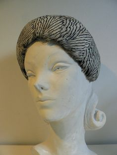 vintage 1940s black and white feather hat / by secreteyesonly