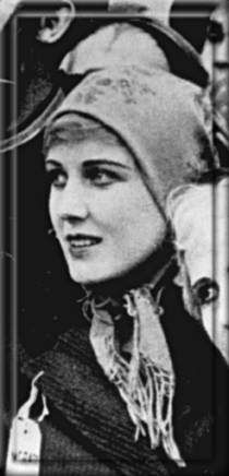 [BORN] Edna Purviance (October 21, 1895 - January 11, 1958) #actor