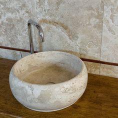 Lavabo in pietra per il bagno #pietredirapolano #travertino #lavabi ...