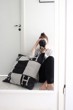 Homevialaura | Hermes Avalon cushion Lifestyle Photography, Fashion Photography, Product Photography, Hermes Home, Guest Room Office, Strike A Pose, Cozy House, Gym Bag, Urban Outfitters