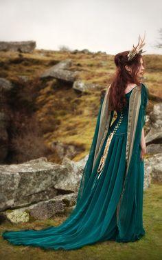 Rossetti Gown – The Dark Angel www.thedarkangel.co.uk