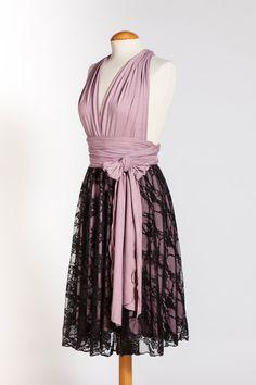 Die Infinity Wrap Dress MILU ist konvertierbar und perfekt für Ihre Bedürfnisse! Dieses vielseitige Kleid kann in vielerlei Hinsicht getragen werden, wie