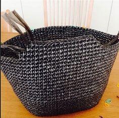 Crochet Bag Tutorials, Crochet Instructions, Crochet Handbags, Crochet Purses, Leather Bags Handmade, Handmade Bags, Japanese Crochet Patterns, Shopping Bag Design, Mochila Crochet
