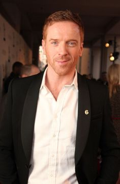 He did Major Richard Winters in the Band of Brothers (HBO) and Nicholas Brody in Homeland! (Damian Lewis) #damianlewis