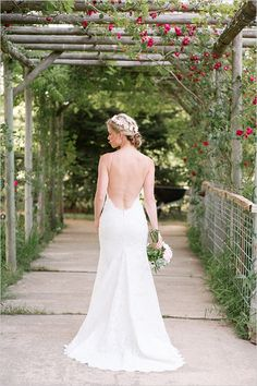 Katie May wedding dress #weddingdress @weddingchicks