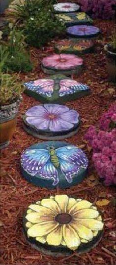 Para el jardín, pintando piedras