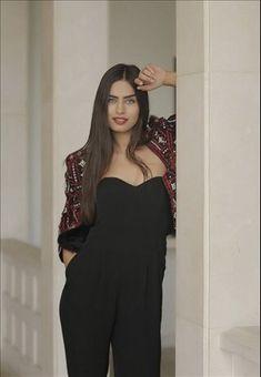 AMINE GÜLŞE FAN (@dfgbxkym) / Twitter Beautiful Girl Makeup, Beautiful Love, Turkish Beauty, Turkish Actors, Angelina Jolie, Celebrity Style, Jumpsuit, Actresses, Celebrities