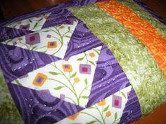 Mi rinconcito de labores: Estuche patchwork Quilts, Blanket, Rugs, Home Decor, Scrappy Quilts, Farmhouse Rugs, Decoration Home, Room Decor, Quilt Sets