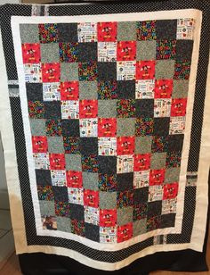 Mickey Mouse quilt Twin Quilt Pattern, Baby Boy Quilt Patterns, Jelly Roll Quilt Patterns, Twin Quilt Size, Patchwork Quilt Patterns, Baby Girl Quilts, Boy Quilts, Rag Quilt, Patchwork Ideas
