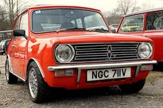 Mini Clubman 1275 GT photos, picture # size: Mini Clubman 1275 GT photos - one of the models of cars manufactured by Mini Classic European Cars, Classic Mini, Classic Cars, Fancy Cars, Retro Cars, Cool Cars, Mini Countryman, Mini Clubman, Mini Coopers