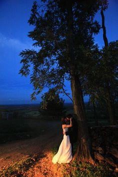 Bluemont Vineyard Wedding couple at sun down #wedding #style #inspiration