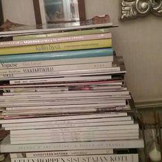 KULTTUURI. KIRJALLISUUS, Lehdet...Blogissa KOTIKIRJASTO 2/2 Tykkään&Nautin Lukemisesta, joka päivä. Internet sosiaalinen media, verkkoaivut, kirjat, lehdet, mainokset jne.... ❤& Lehdet Minun Suosikkeja. Sinun? SUOSITTELEN LUKEMISTA Kaiken Ikäisille, lapsista vanhuksiin. #hxstyle #kirjallisuus #kulttuuri #lehdet #aikakausilehdet #kirjat #kaikenikäisille #suosittelen #lukeminen ❤☺