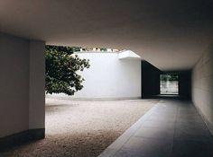 #alvarosiza #architecture #porto #serralves by ariolametani