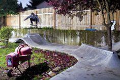 skate-home circuit in the garden. Skate house. Diseño de skateparks COPINRAMPS