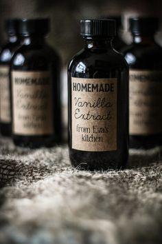 DIY: Homemade Vanilla Extract & Label Template