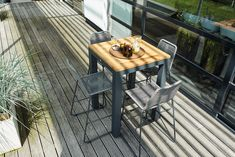 SUNS Elos - Bar chair - SUNS Grey Collection (SUNS Sense bar table shown)