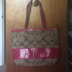 Coach tote and wallet Coach tote and matching wallet. In great shape Coach Bags Totes