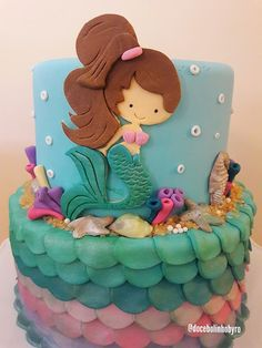 Doce Bolinho by Ro: Bolo Sereia You are in the right place about Cake Design for him Here we offer you the most beautiful pictures about the Cake Design drawing you are looking for. Little Mermaid Cakes, Mermaid Birthday Cakes, Birthday Cake Girls, Girly Cakes, Cute Cakes, Beautiful Cakes, Amazing Cakes, Fondant Cakes, Cupcake Cakes