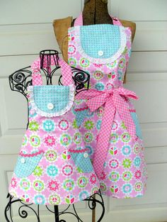 Matching Mother Daughter Apron Set Reversible in by Aprons2tie4, $63.00