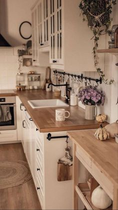Cosy Kitchen, Home Decor Kitchen, Country Kitchen, Kitchen Interior, New Kitchen, Home Kitchens, Kitchen Design, Interior Modern, Interior Design