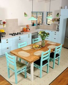 Home Decoration 👍 katalay.net/home-decoration/ #homedecor #homedecoration #homesweethome #home Blue Kitchen Cabinets, Diy Kitchen, Kitchen Decor, Kitchen Design, Pink Bedroom Design, Beautiful Small Homes, Pallet Ideas Easy, Space Interiors, Bedroom Flooring