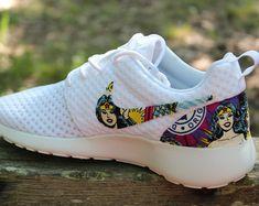 Autism Awareness Nike Roshe Run por GrabbKicks en Etsy