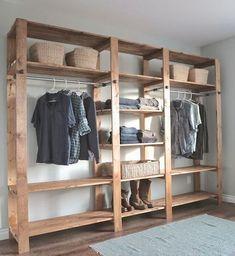 E a ideia de um guarda-roupas aberto é bem simples, rústica e interessante. E bem em conta e prática até: se valer de uma estante com prateleiras AND pendu: