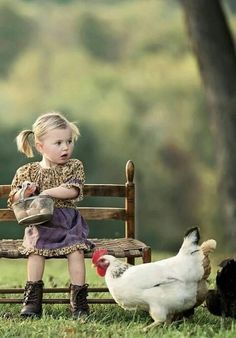 Sophia and Poppy Auf Dem Land, Cute Kids, Kids Up, Farm Life, Animals And Pets, Baby Animals, Cute Animals, Funny Animal Pictures, Girl Pictures