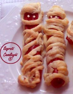 wurstel+mummie+halloween Authentic Italian Tiramisu Recipe, Potato Pie, Cake Tins, Trifle, Cake Recipes, Sweet, Ethnic Recipes, Food, Anna