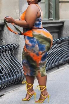 Thick Girl Fashion, Curvy Women Fashion, Plus Sise, Curvy Girl Outfits, Full Figure Fashion, Orange Fashion, Voluptuous Women, Beautiful Black Women, Two Pieces