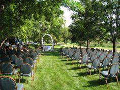 Outdoor summer wedding?  YES PLEASE! Perfect venue! www.minneapolisboulevardhotel.com