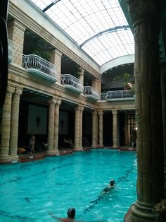 So you want to visit the thermal baths in Budapest? Then read this guide!