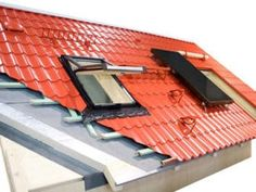 metal roofing buying guide This diagram shows how a metal roof is built, including battens used for attachment and installation of a skylight and solar panel. Solar Panels For Home, Solar Energy Panels, Best Solar Panels, Solar Energy For Home, Corrugated Roofing, Steel Roofing, Tin Roofing, Roofing Shingles, Roofing Options