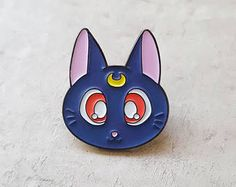 Luna - Sailor Moon Pin