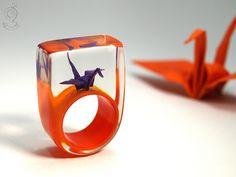 Flatterndes Glück – Origami-Harz-Ring – JuliGlut von Geschmeide unter Teck auf DaWanda.com