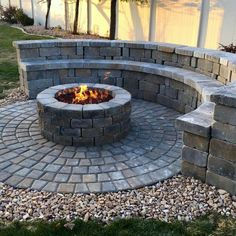 3 Intuitive Cool Tricks: Corner Fire Pit Built Ins fire pit sign fun.Fire Pit Backyard Above Ground fire pit party camping theme. Paver Fire Pit, Concrete Fire Pits, Fire Pit With Pavers, Garden Fire Pit, Fire Pit Backyard, Large Backyard, Small Patio, Backyard Patio Designs, Backyard Landscaping