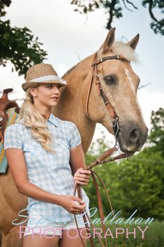 Holly, Mud to Makeup Shoot – Equine Photoshoot, Essex | Sophie Callahan Photography - Specialist equine photographer