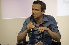 Modérateur table ronde financement des start ups e-commerce Michel @MAthenour #shake14 #onstage
