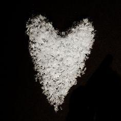 White Water Soluble Biodegradable Natural Wedding Confetti www.adamapple.co.uk