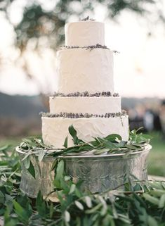 Wedding Cakes  :     Picture    Description  Featured Photographer: Jose Villa; Wedding cake idea.    - #Cake https://weddinglande.com/planning/cake/wedding-cakes-featured-photographer-jose-villa-wedding-cake-idea-3/