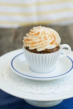 Caramel Macchiato Cupcakes | Best Friends For Frosting
