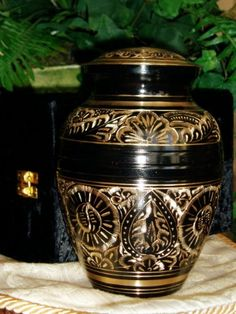 Decorative Urn Awesome Pet Urn Paw Series Cremation Urn For Dogs Cats Ashespet Memory Decorating Inspiration