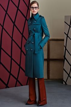 Gucci pre fall 2015 -> the buttons...and the glasses...and the scarf with the matching colors...!!!