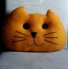 Cojin con forma de cacabeza de gato