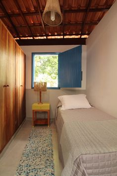 Image 9 of 22 from gallery of Alagoas House / Tavares Duayer Arquitetura. Photograph by João Duayer & Nathalie Ventura Tiny Bedroom Design, Tiny House Design, Bed Design, Home Interior, Interior Design, Village House Design, Indian Home Decor, Simple House, Small Spaces
